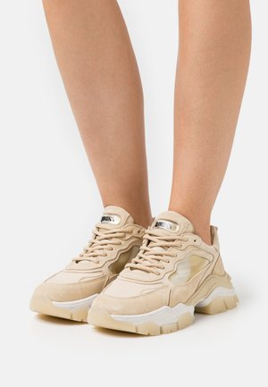 TAYKE OVER - Trainers - camel