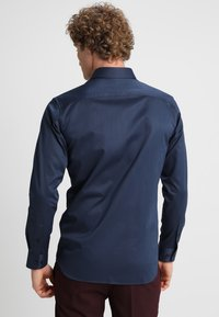Selected Homme - PELLE - Kostymskjorta - insignia blue - 2