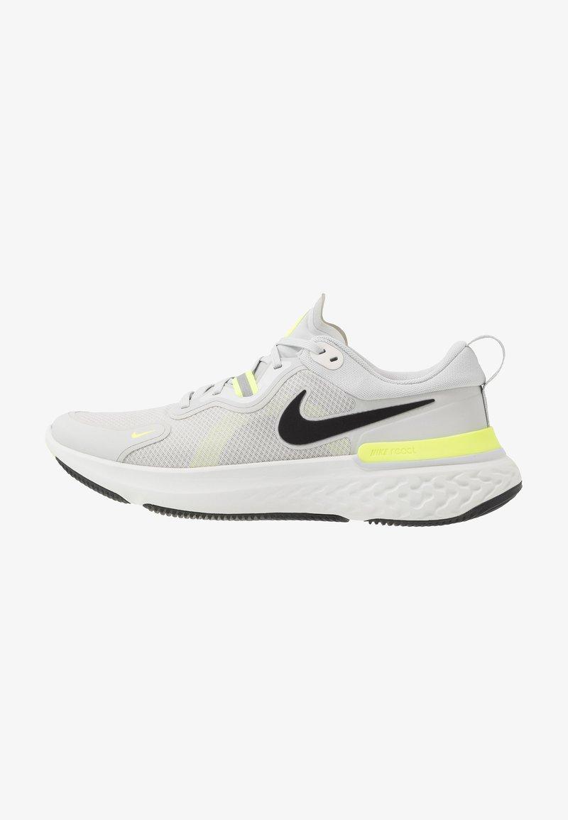 Nike Performance - REACT MILER - Neutral running shoes - grey fog/black/particle grey/volt