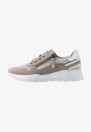 8-8-23728-24 - Sneakers - grey