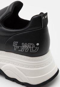 F_WD - Tenisky - black - 6