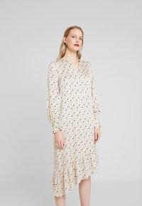 Levete Room - HANNA - Denní šaty - cement - 0
