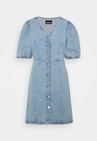 PCGILI - Denimové šaty - light blue denim