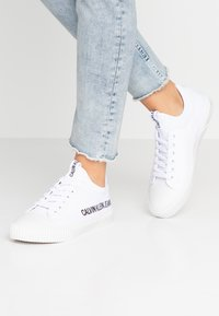 Calvin Klein Jeans - IANTHA - Trainers - white - 0