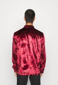 Topman - OXBLOOD - Formal shirt - red - 2