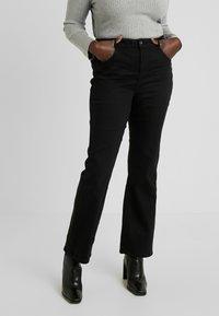 Dorothy Perkins Curve - ELLIS - Jeans bootcut - black - 0