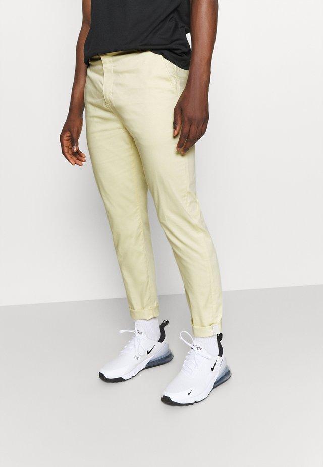 SLIM PANT - Spodnie materiałowe - lemon drop