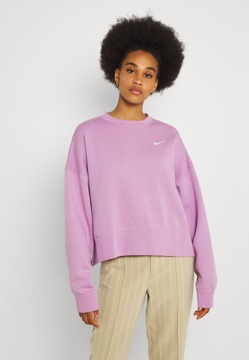 Nike Sportswear - CREW TREND - Sweatshirt - violet shock/white