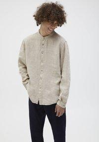 PULL&BEAR - Overhemd - beige - 0