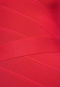 Hervé Léger - ONE SHOULDER DRESS - Robe fourreau - rio red - 6