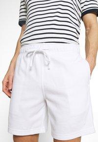 Hollister Co. - LOUNGE BOTTOM OTTOMAN SHORTS - Pyžamový spodní díl - white - 4