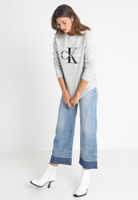 Calvin Klein Jeans - CORE MONOGRAM LOGO - Sweater - light grey heather