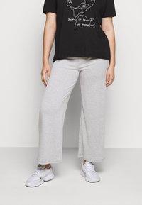 Pieces Curve - PCSIMINIA PANTS CURVE - Trousers - light grey melange - 0