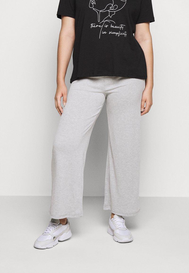 Pieces Curve - PCSIMINIA PANTS CURVE - Trousers - light grey melange