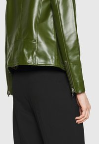 Deadwood - RIVER CACTUS - Faux leather jacket - green - 3