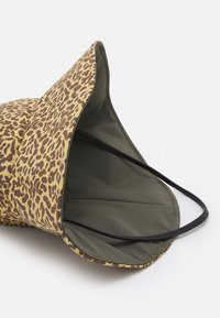Jimmy Choo - CAPPELLO - Hat - senape