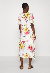 Dorothy Perkins - GEORGIA FLORAL TEA DRESS - Denní šaty - white - 2