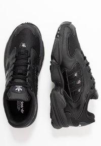 adidas Originals - FALCON 2000  - Joggesko - core black - 5