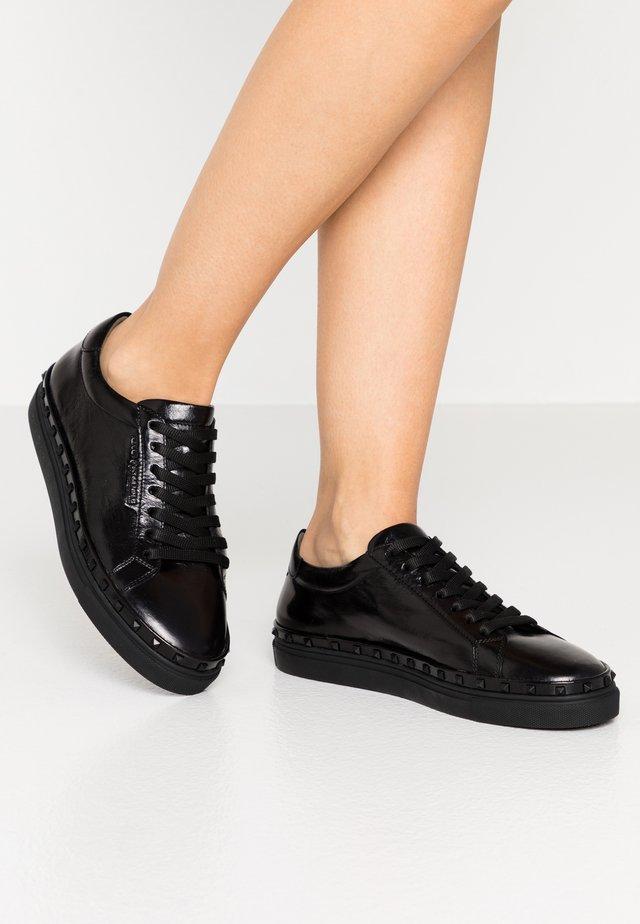 COSMO - Sneakers laag - schwarz