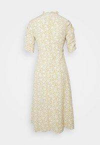 Glamorous Petite - DITSY MIDI WRAP DRESS PETITE - Denní šaty - beige - 1