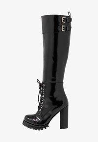 High heeled boots - black box