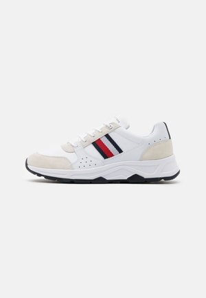 FASHION RUNNER - Sneakers - white