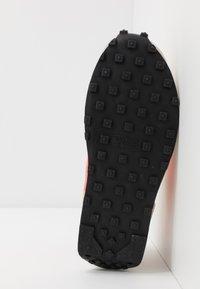 Nike Sportswear - DAYBREAK - Trainers - dark sulfur/flash crimson/summit white/black - 6