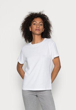 SHORT SLEEVE ROUND NECK LOGO AT BACK NECK - Basic T-shirt - white