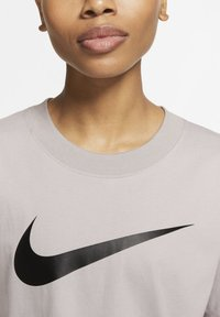 Nike Sportswear - Print T-shirt - silver lilac/black - 3