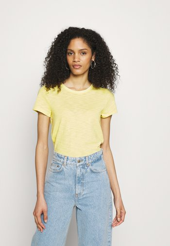 COZY SLUB TEE - T-shirts - lime juice