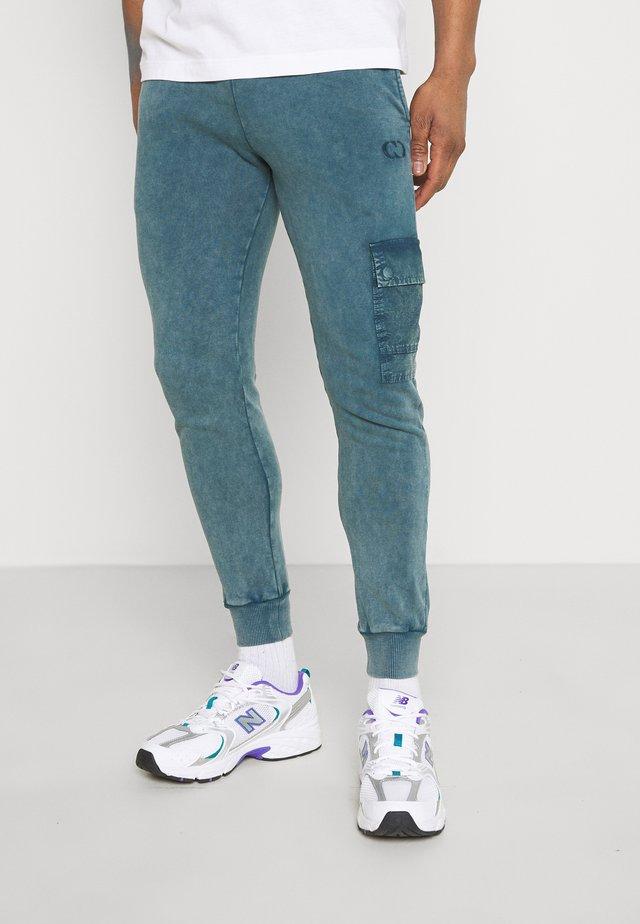 ESSENTIAL UTILITY - Pantalon de survêtement - marine blue