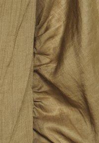 Frame Denim - OFF THE SHOULDER BILLOW  - Blouse - moss - 2