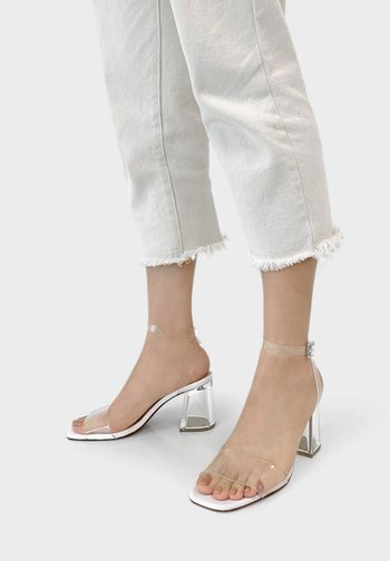 METHACRYLAT - High heeled sandals - white