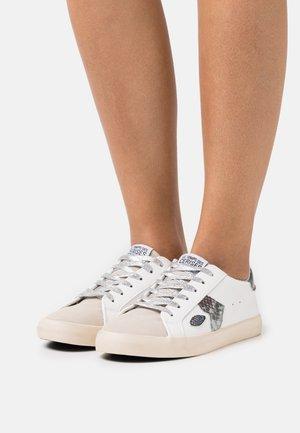 AUSTIN BOA - Sneakers - white