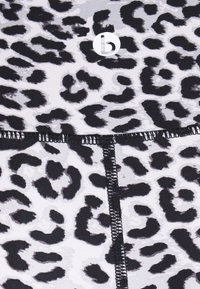 Cotton On Body - HIGHWAISTED SHORTIE - Medias - winter - 6
