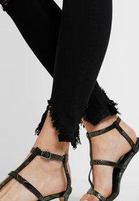Topshop - AUSTIN JAMIE - Jeans Skinny Fit - black - 3