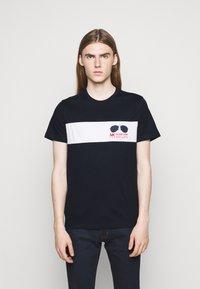 Michael Kors - SPORT AVIATOR TEE - Print T-shirt - midnight - 0
