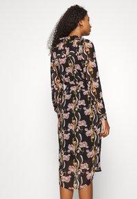 Object - OBJCINNA LONG SHIRT DRESS - Hverdagskjoler - black/multi colour - 2