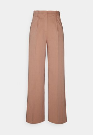 YASWIRA PANTS - Bukse - cameo brown