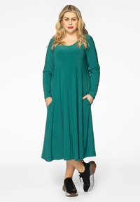 Yoek - Day dress - green - 1