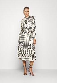 Moss Copenhagen - AVIANNA RAYE SHIRT DRESS - Denní šaty - beige/black - 0