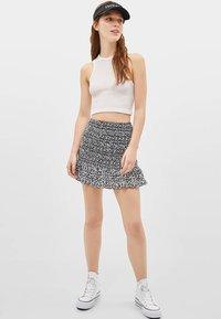 Bershka - MIT VOLANTS  - Mini skirt - black - 1