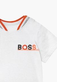 BOSS Kidswear - Kalhoty - blanc orange - 4