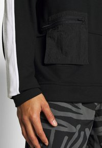 Nike Performance - M NK DRY TOP FLEECE PX - Sweatshirt - black/white - 5