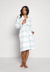 TOM TAILOR - HAMAM BATHROBE - Dressing gown - mint - 0
