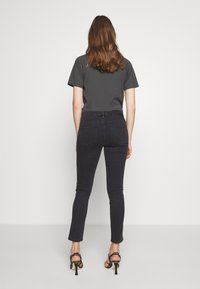 BLANCHE - JADE CROPPED - Jeans slim fit - grey stone wash - 2