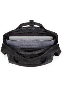 Eastpak - Briefcase - cnnct coat - 2