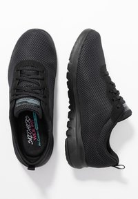 Skechers Wide Fit - FLEX APPEAL 3.0 - Sneakers laag - black - 3