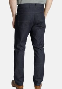 Charles Colby - JEANS LUCEUS - Straight leg jeans - dark blue - 1