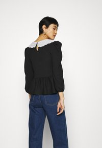 Dorothy Perkins - EMBROIDERED COLLAR TEXTURED - Blouse - black - 2